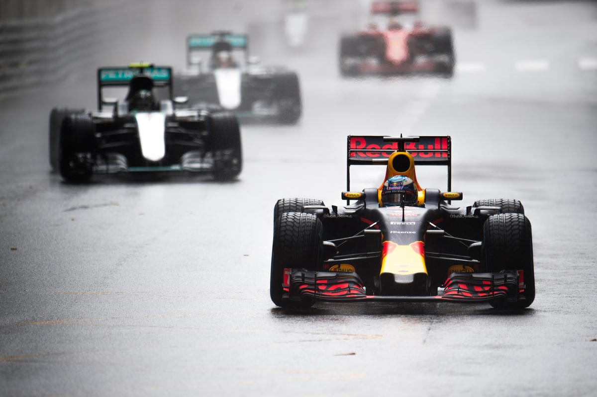 May 25-29, 2016: Monaco Grand Prix. Daniel Ricciardo (AUS), Red Bull leads the start of the Monaco GP